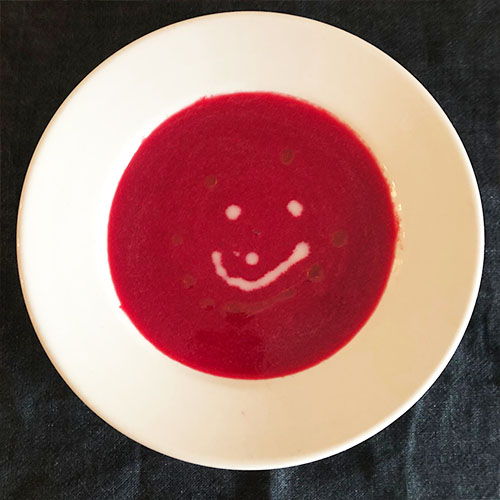 ビーツとトマトのスープ