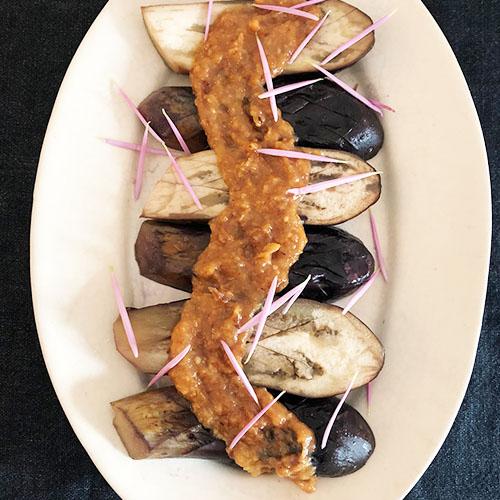 茄子の辣油味噌ソース