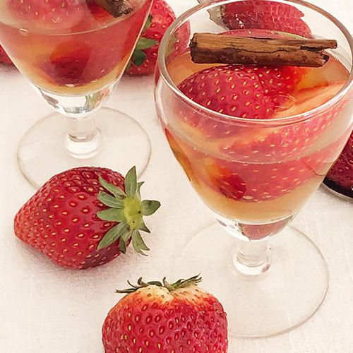 苺の白ワインゼリー